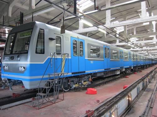 Vagon metro 1002 81-780 (3).JPG